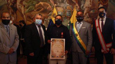 Jhonatan Rodríguez recibe Orden Francisco Esteban Gómez por su labor en DD.HH.